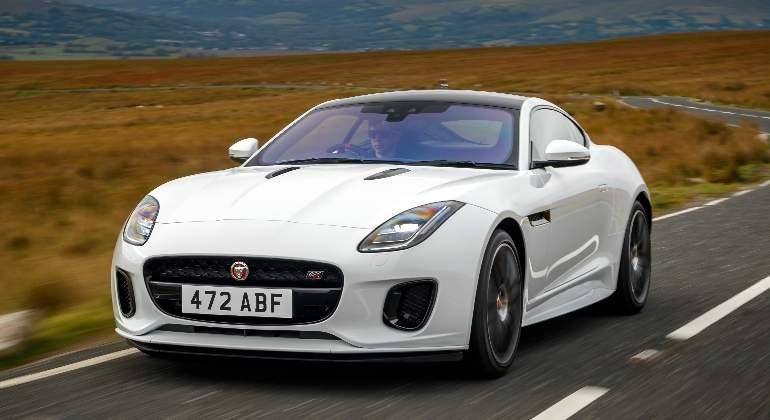 Jaguar-F-Type-Chequered-Flag-2018-01.jpg