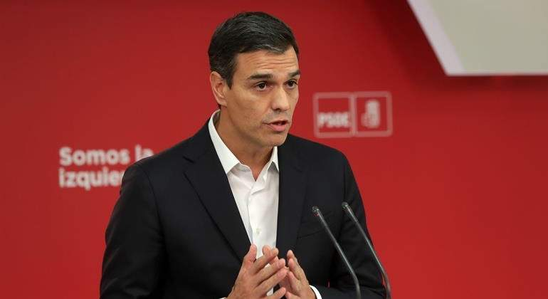 pedro-sanchez-1oct17-efe.jpg