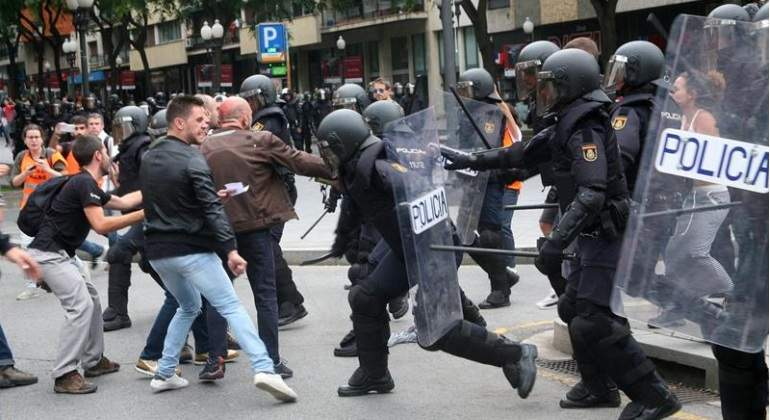 1-O-cargapolicial-Tarragona-EFE.jpg