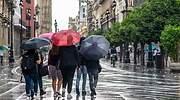 turistas-paraguas-ep.jpg
