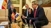 El ministro del Interior Fernando Grande-Marlaska reunido con el presidente y el vicepresidente de Canarias ngel Vctor Torres y Romn Rodrguez