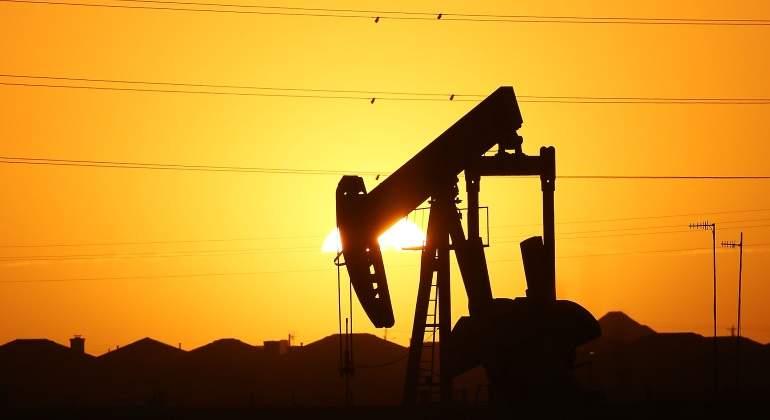 Se desploman los precios del petróleo, el gas y las gasolinas
