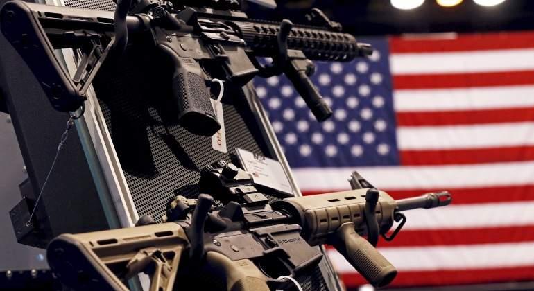 armas-smith-&-wesson-estados-unidos-bandera-reuters.jpg