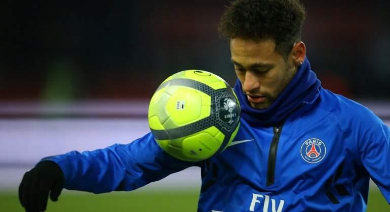 Neymar-control-balon-calentamiento-2018-reuters.jpg