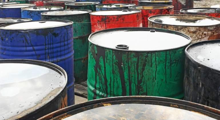 petroleo-barriles-colores-dreamstime.jpg