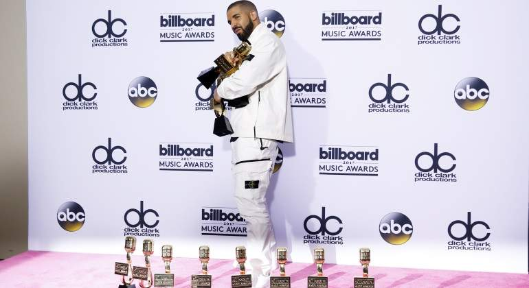 Drake-Billboards-Reuters-770.jpg