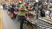 La crisis de la industria alemana arrastra a la actividad manufacturera de la zona euro a su peor dato desde octubre de 2012