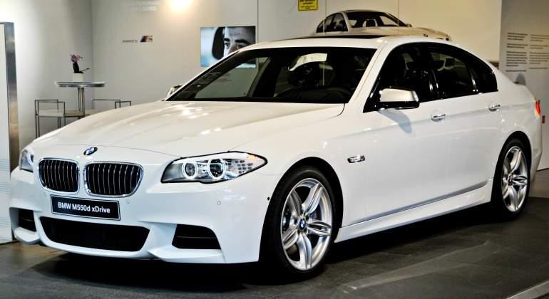 BMW-M550d-xDrive-770-wikipedia.jpg