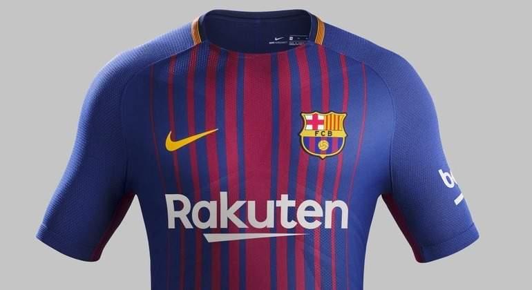 fb54b9e33 El Barcelona hace oficial su nueva camiseta para la temporada 2017-2018
