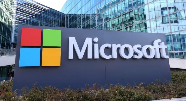 Microsoft quiere competir con el iPad lanzando una tablet Surface low-cost