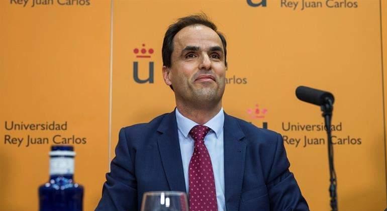 Un profesor titular sustituirá al director del máster de Cifuentes