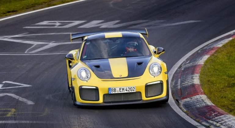porsche-911-GT2-RS-2017-01-nurburgring.jpg