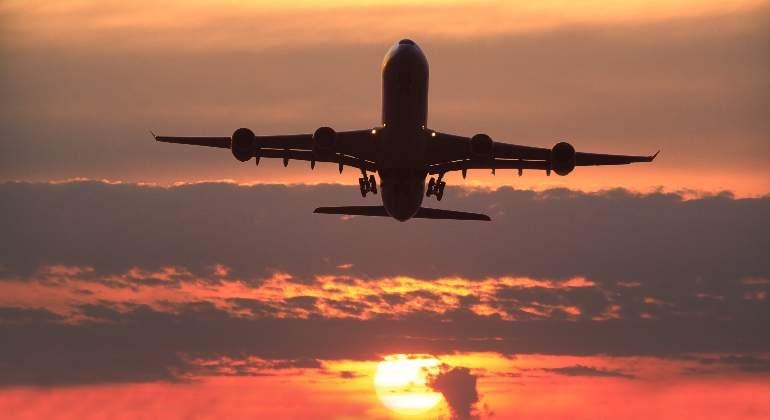 avión-boeing-747-atardecer.jpg