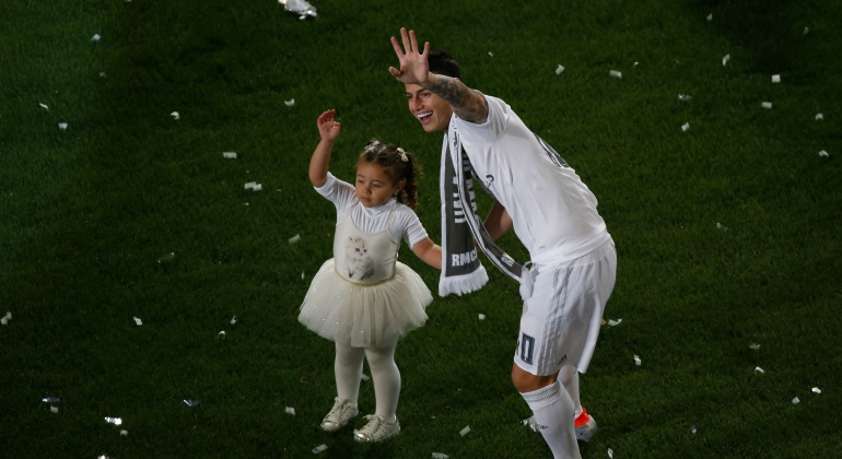 james-hija-celebracion-reuters.jpg