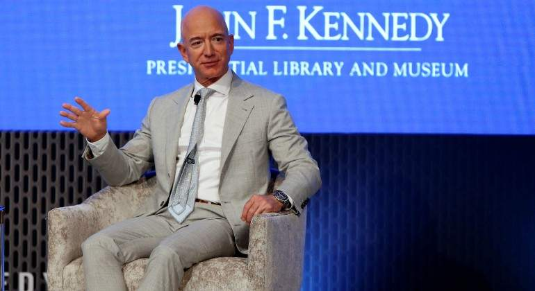 bezos-jeff-amazon-sentado-reuters.jpg