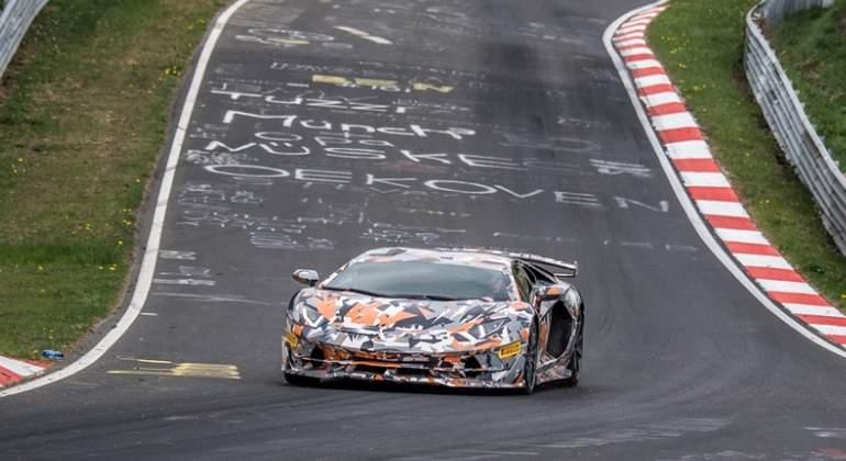 Lamborghini-Aventador-SVJ-record-nurburgring-2018-02.jpg