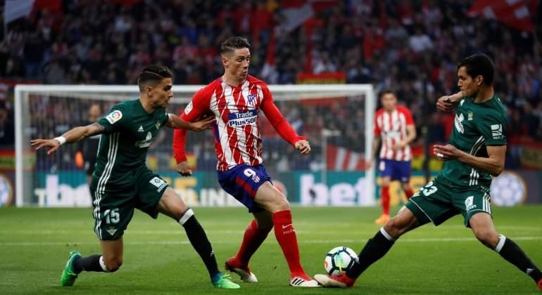 El Atlético empata sin goles ante el Betis y deja LaLiga en bandeja para el Barcelona