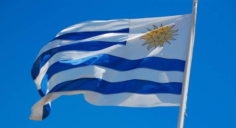 bandera-uruguay-dreamstime-770x420.jpg