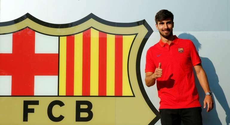 Andre-Gomes-2016-escudo-barcelona-reuters.jpg