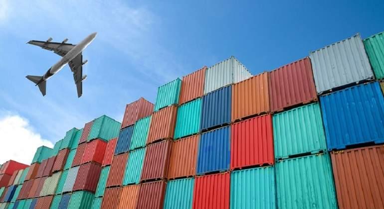 Economía chilena anota superávit comercial de US$1.210 millones en enero