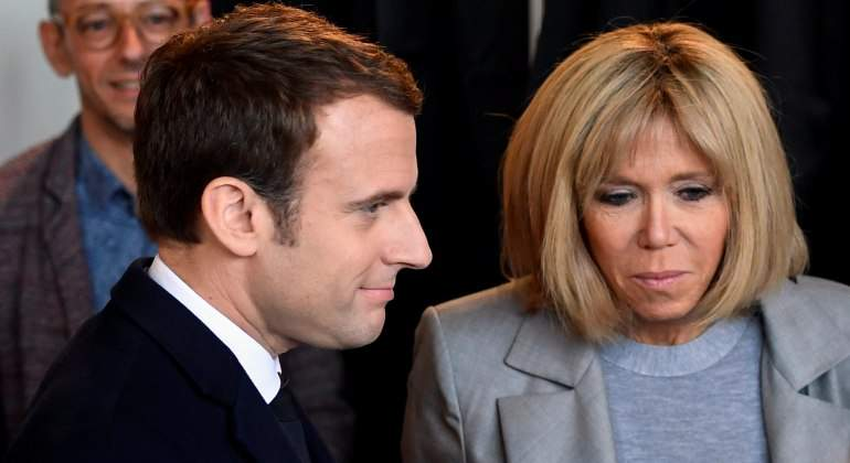 La Sorprendente Historia De Amor De Emmanuel Macron Y Su Esposa Brigitte Informalia Es