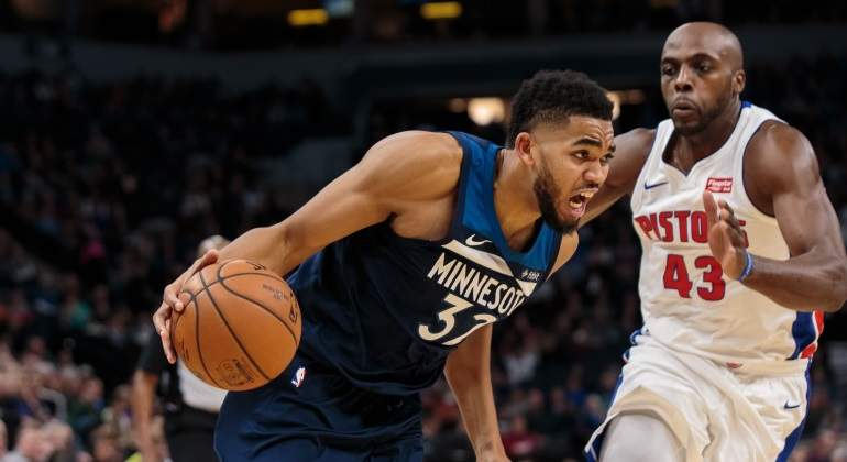 karl-anthony-towns-detroit-reuters.jpg
