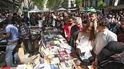 Libreros y floristas recuperan Sant Jordi con previsión de ventas un 40% inferior a 2019