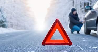 Ocho elementos clave de su coche que debe revisar en invierno para evitar averías y conducir seguro