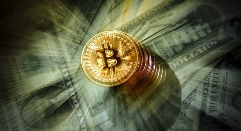 bitcoin-dolares-getty.jpg