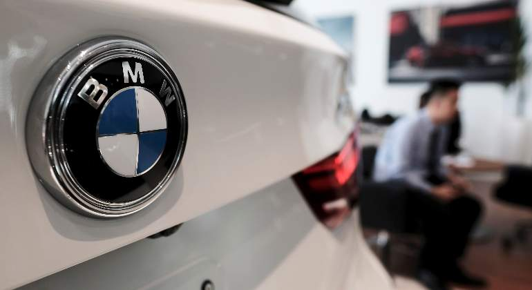 bmw-x5-logo-reuters.jpg