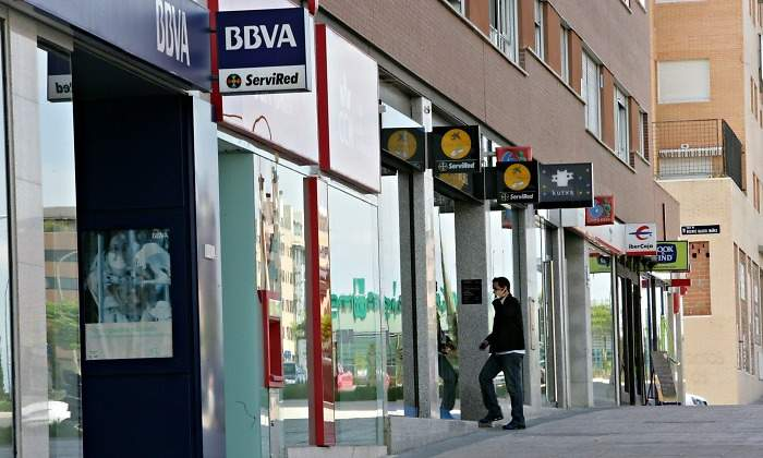 Caixabank e ibercaja las entidades que m s cuentas captan for Oficinas caixabank madrid