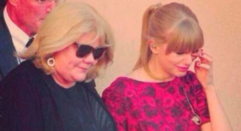 taylor-swift-madre-tumor.jpg