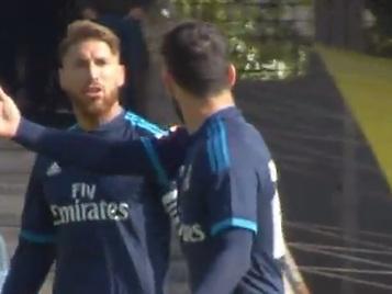 La bronca desapercibida de Ramos a Isco: Deja de tocar la p...