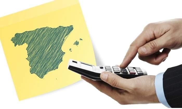Las cotizaciones sociales y el IRPF se llevan de media casi el 40% del sueldo