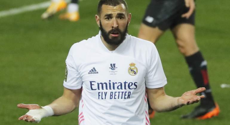 benzema-cuestiona-real-madrid-athletic-supercopa-reuters.jpg