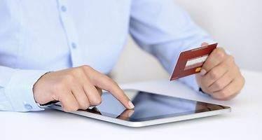 Las compras por Internet crecen en España y arrinconan al hipermercado