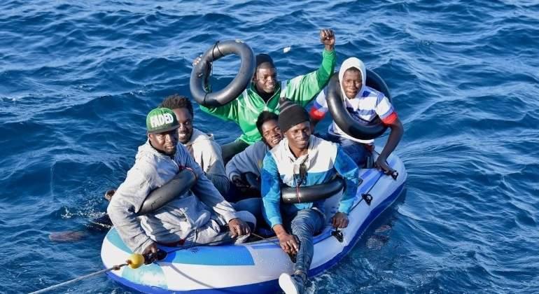 rescate-pateras-salvamento-maritimo.jpg