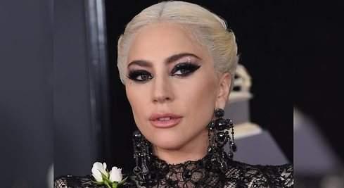 El look de Gaga en los Grammy, paso a paso