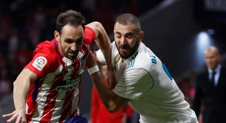 Juanfran-Benzema-derbi-2017-Reuters.jpg