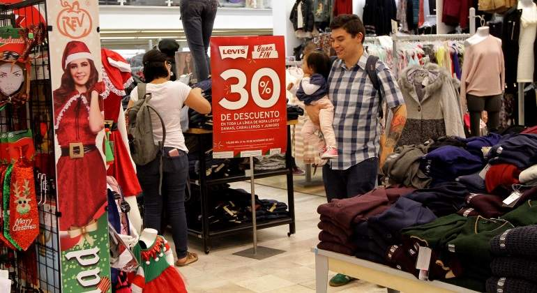 Inegi registra ligero aumento de 1% en confianza de consumidores