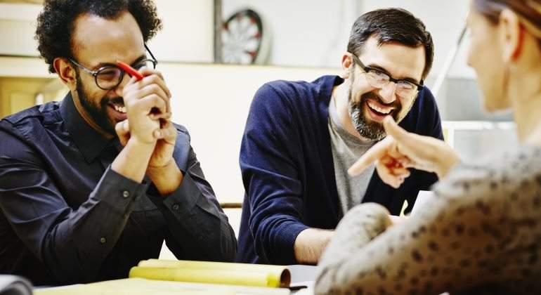 Claves del bienestar en el trabajo: la importancia de cultivar un humor  sano, positivo y constructivo - elEconomista.es