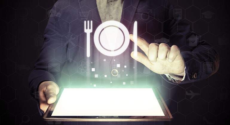 comida-tablet-digital-770-dreamstime.jpg