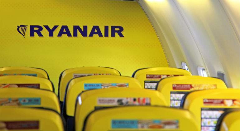 ryanair-avion-dentro-dreamstime.jpg