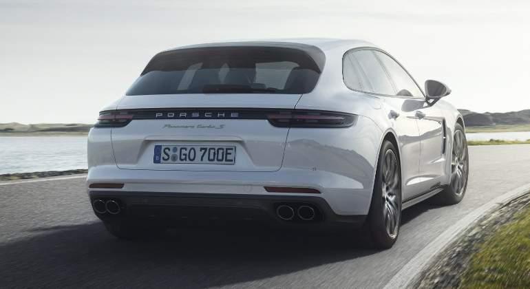 Porsche-Panamera-Turbo-S-E-Hybrid-Sport-Turismo-2017-02.jpg