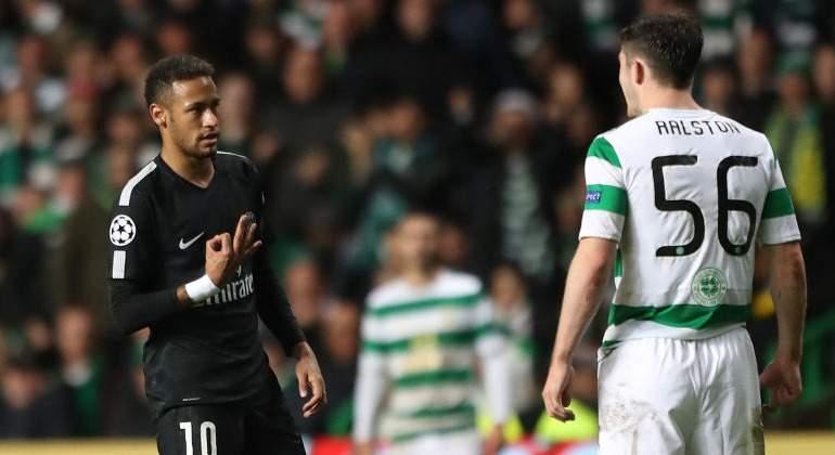 Defensa del Celtic ataca fuertemente a Neymar