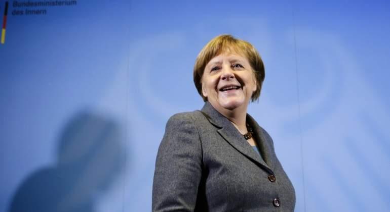 Merkel acorta sus vacaciones tras las críticas a su ausencia durante la oleada de ataques en Alemania