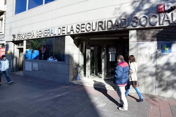 S p urge a tomar medidas que eviten el colapso de la for Oficina seguridad social madrid
