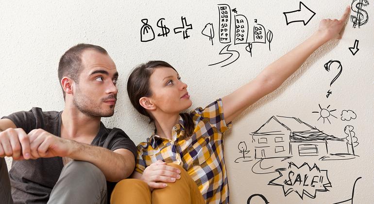 jovenes-pareja-finanzas.png