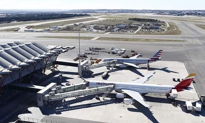 Resultado de imagen de Fomento fija servicios mínimos del 100 por cien en la huelga en el handling de aeropuertos
