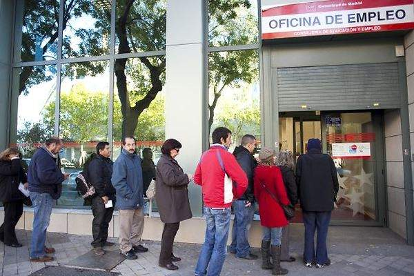 El paro registra en abril su mayor ca da mensual de la for Oficina de paro madrid